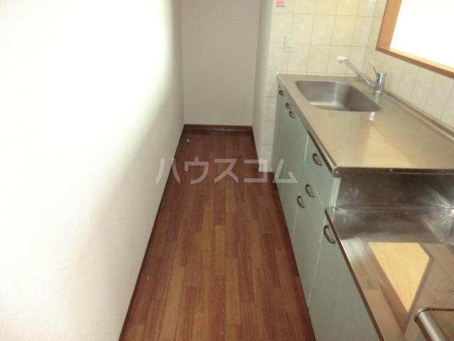 メゾン・デュ・モンテ 702号室のキッチン