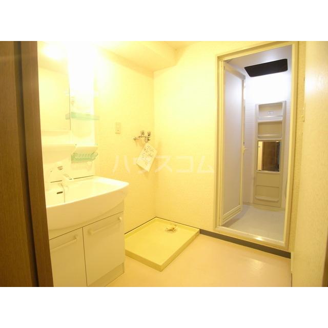 メゾン・デュ・モンテ 1102号室の洗面所