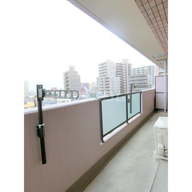 メゾン・デュ・モンテ 1102号室のバルコニー