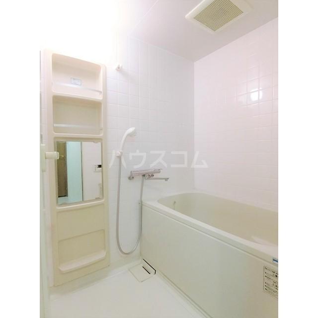 メゾン・デュ・モンテ 1102号室の風呂