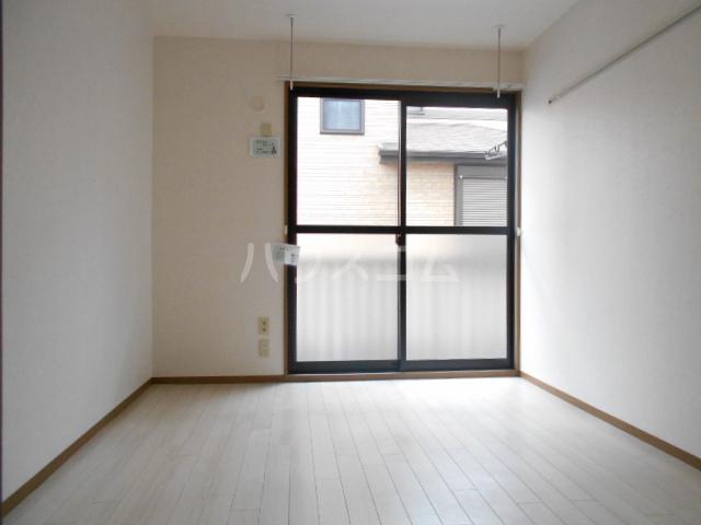 シャネルI&S 101号室の居室