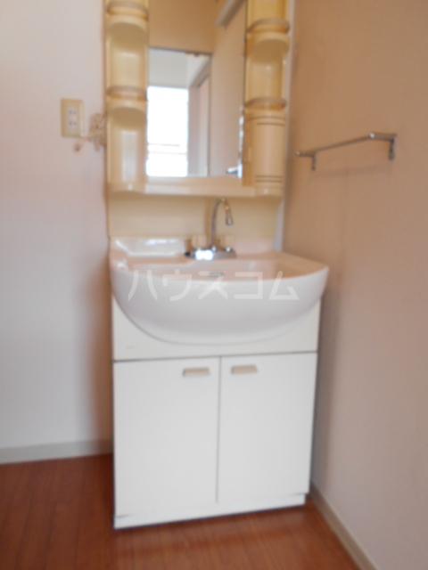 コーポ増田B棟 201号室の洗面所