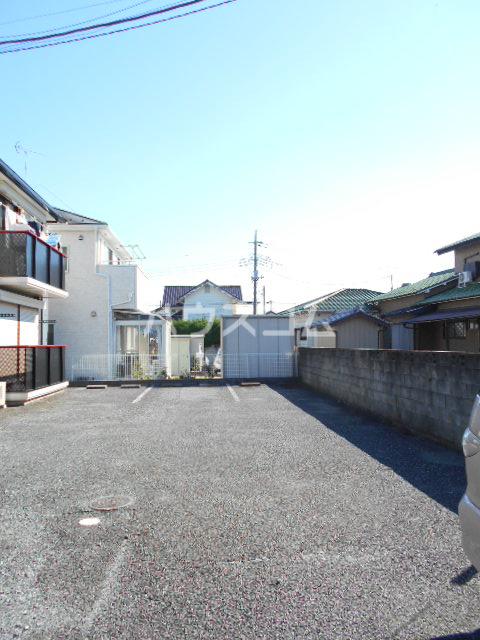 コーポ増田B棟 201号室の駐車場
