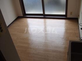 韮沢マンション 306号室のリビング