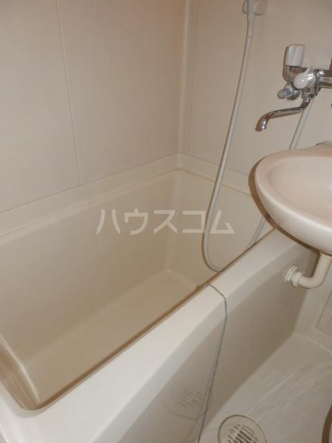K&Mランド 102号室の風呂