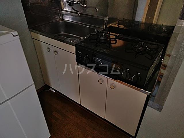 グリーンヒル栗本 302号室のキッチン
