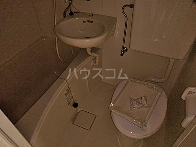 グリーンヒル栗本 302号室の風呂