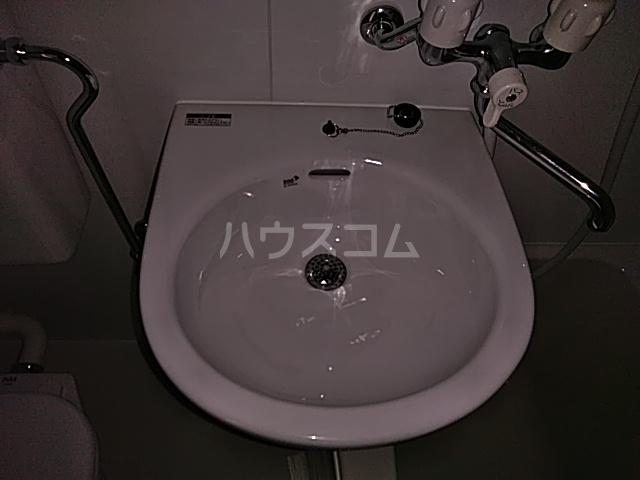 グリーンヒル栗本 302号室の洗面所