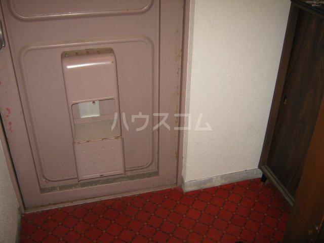 桜山ハイツ 302号室の玄関