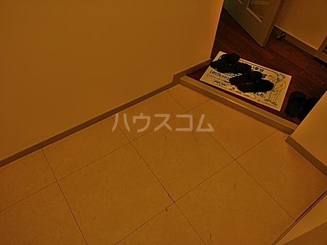 モンド大岡山パーク 205号室の玄関