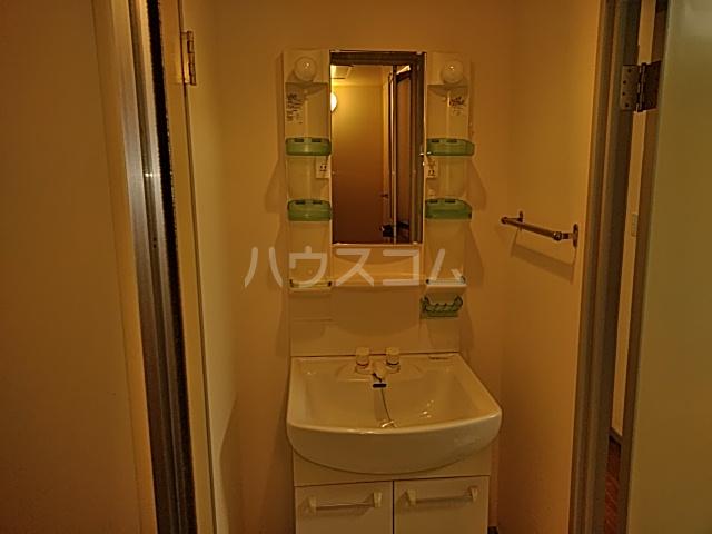 モンド大岡山パーク 205号室の洗面所