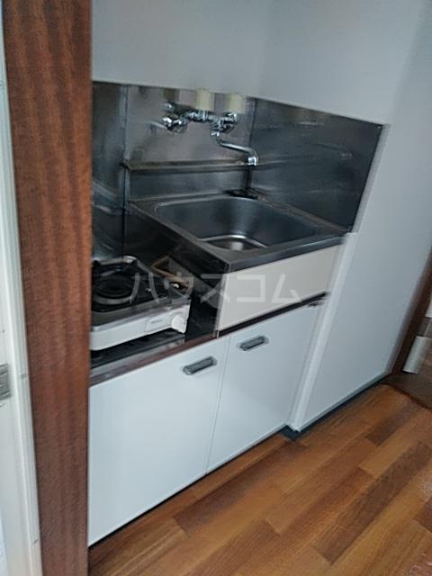 ベルハイツA棟 106号室のキッチン