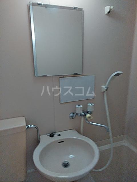 ベルハイツA棟 106号室の洗面所