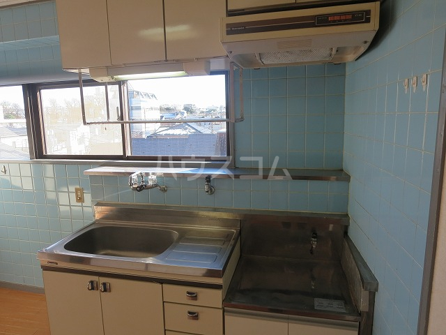 メゾンド洗足 401号室のキッチン