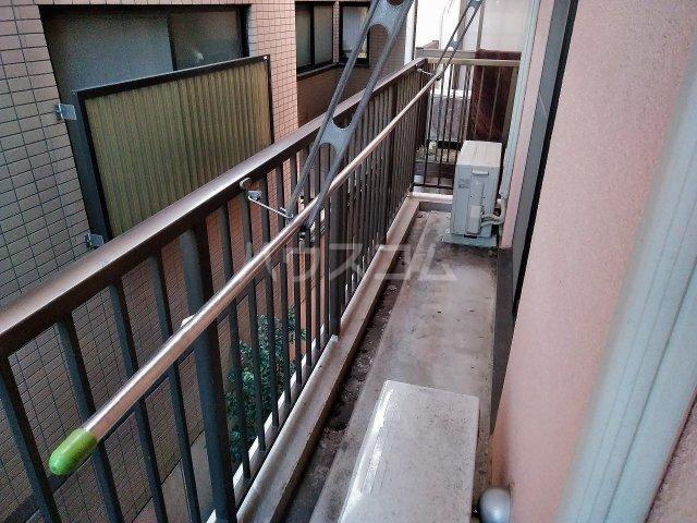アーバンハイツ大岡山 201号室のバルコニー