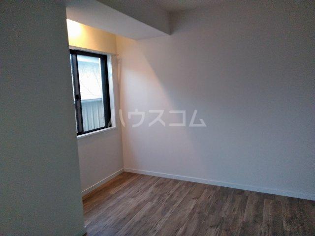 アーバンハイツ大岡山 201号室の居室