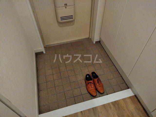 アーバンハイツ大岡山 201号室の玄関