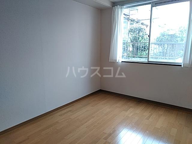 シングルス大岡山 104号室の居室