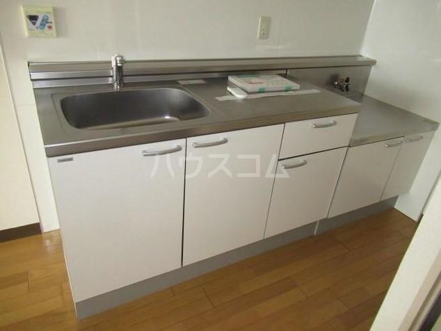 鉄飛坂マンション 303号室のキッチン