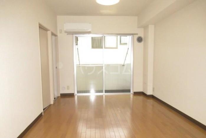 鉄飛坂マンション 303号室のバルコニー