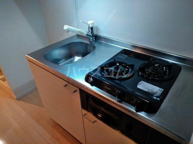 プレミアムキューブ大岡山 602号室のキッチン