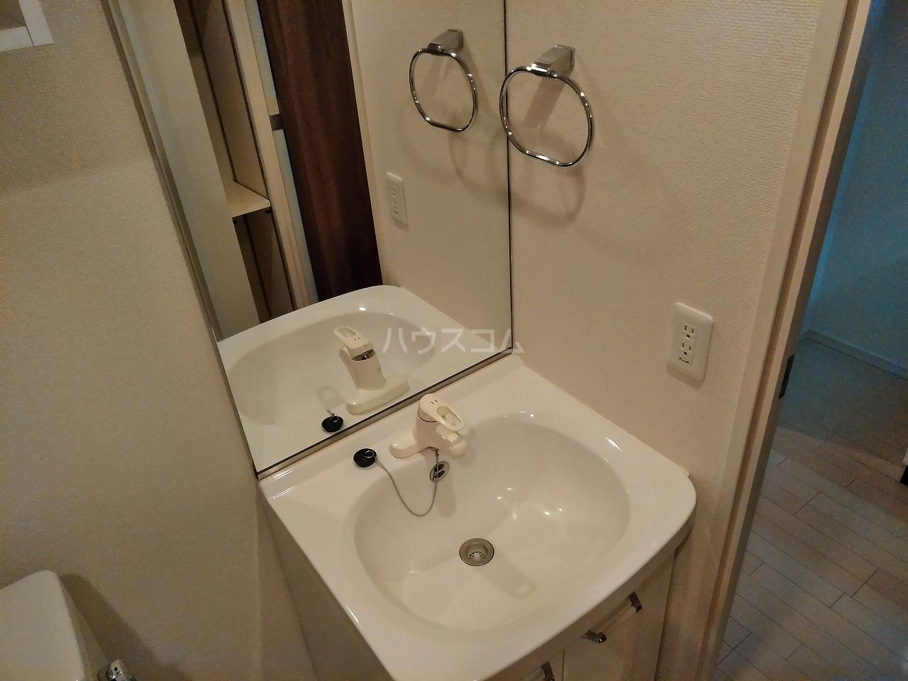 プレミアムキューブ大岡山 602号室の洗面所
