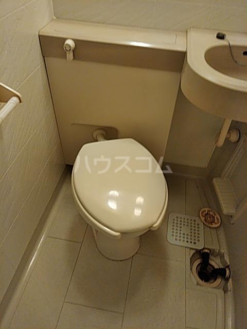 ワコーレエレガンス自由が丘 101号室のトイレ