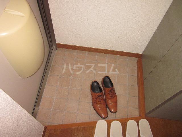 タウンハウス大岡山 205号室の玄関