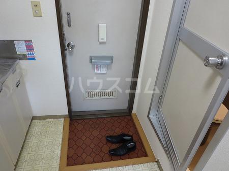 國恵ハイムE棟 103号室の玄関