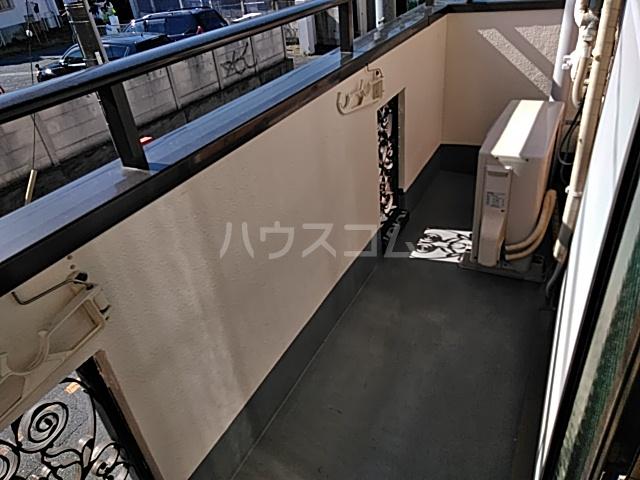 K 201号室のバルコニー