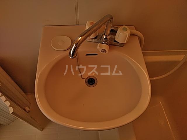 K 201号室の洗面所