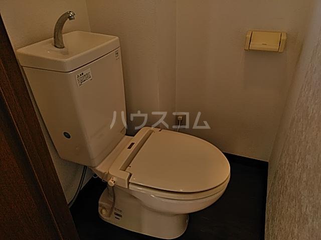 K 201号室のトイレ