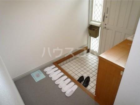 ハイムハンサム 101号室の玄関