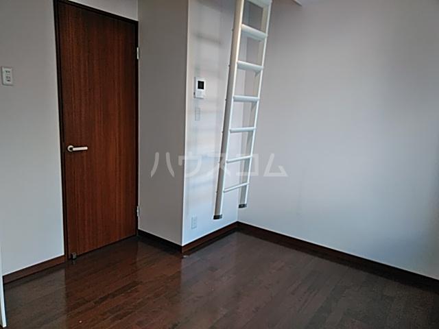 カースク大岡山 202号室の居室