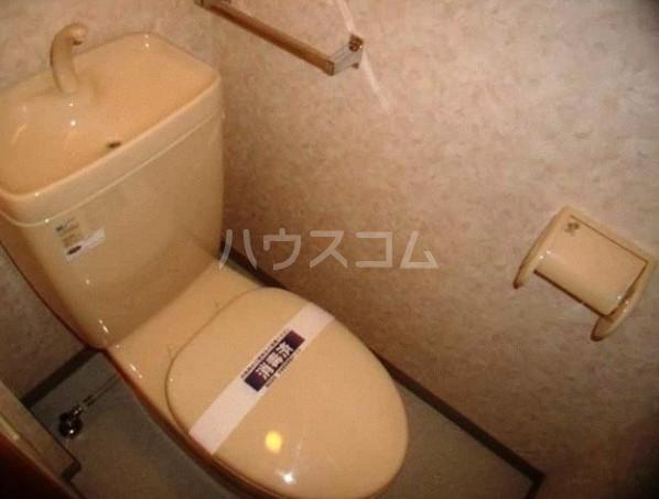 ロアール目黒本町 402号室のトイレ