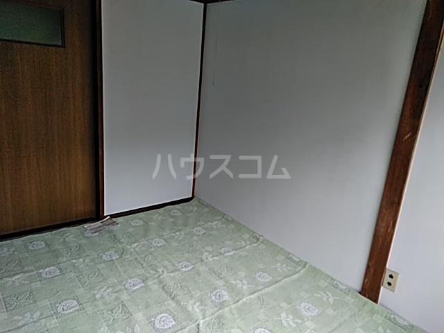フラワーホーム 205号室の居室