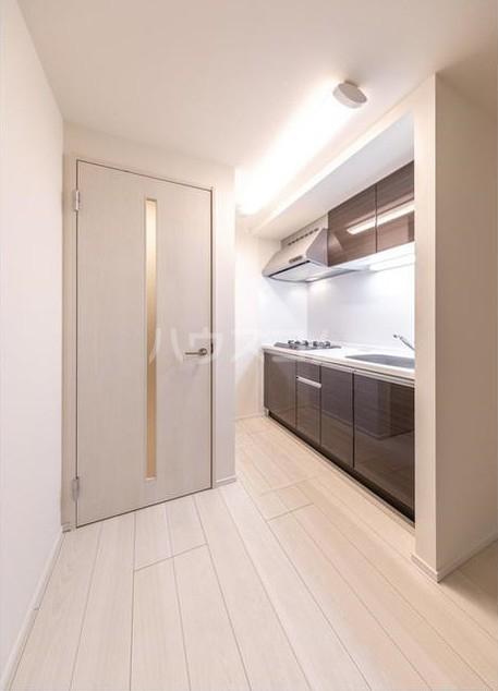 ウェルスクエア等々力 102号室のキッチン