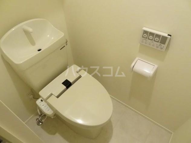 ウェルスクエア等々力 102号室のトイレ