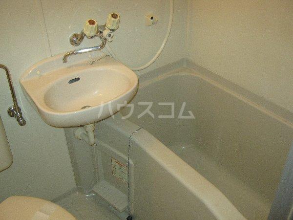 エルミタージュ 201号室の風呂