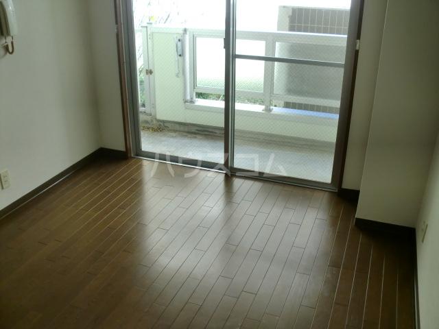 CASA GRAZIA 106号室の居室