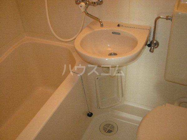 CASA GRAZIA 106号室の洗面所