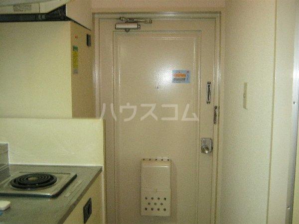 トラストビラ住吉 109号室の玄関