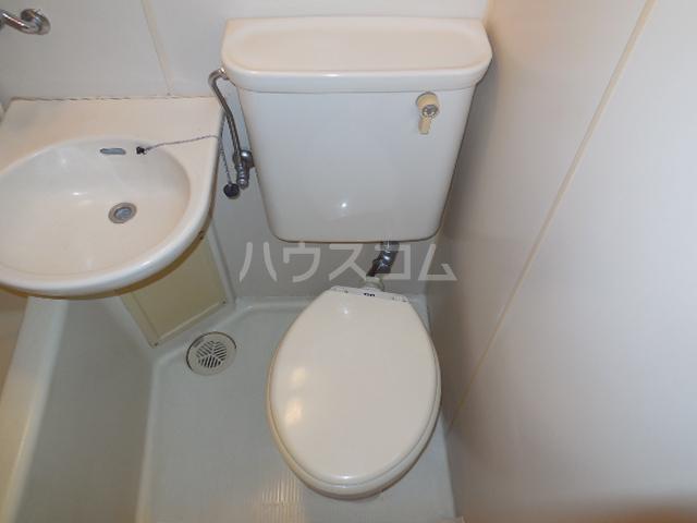 トラストビラ住吉 212号室のトイレ
