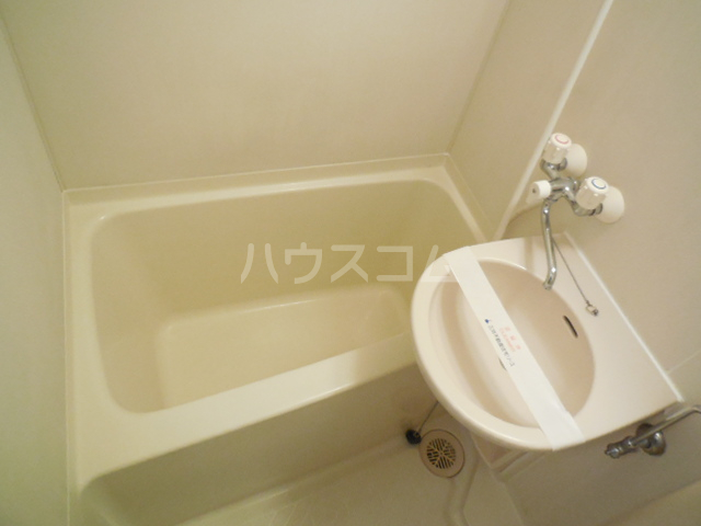 トラストビラ住吉 212号室の風呂