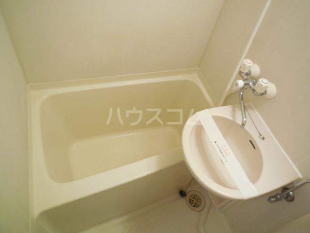 トラストビラ住吉 413号室の風呂