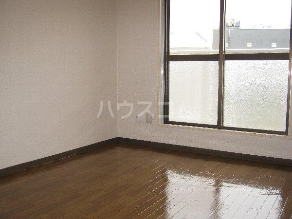 トラストビラ住吉 414号室の居室