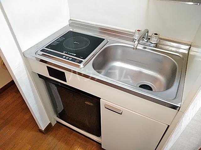 三松ハウス 201号室のキッチン