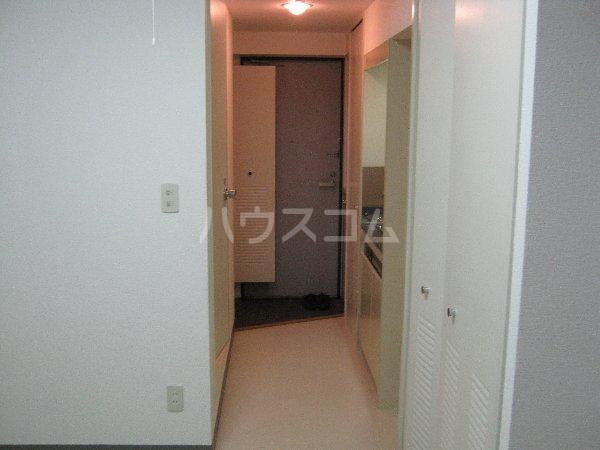 コスモハイム元住吉 501号室の玄関