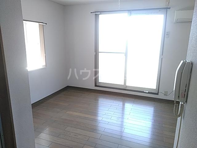 カーサアキム 201号室の居室