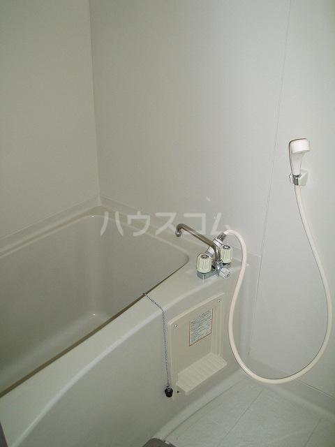 カーサ湯川 201号室の風呂